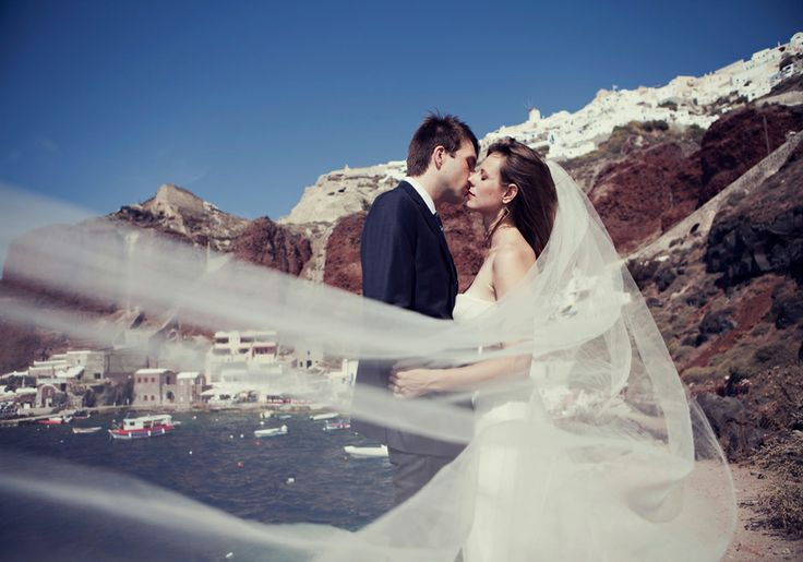 Red-rock #Caldera is the ideal setting for your romantic wedding in #Santorini.
