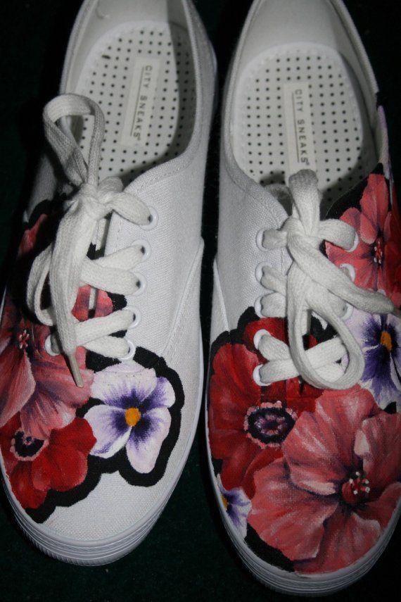 Zapatos de las flores tamaño 7.5w pintado a mano por lolarachelle, $75.00
