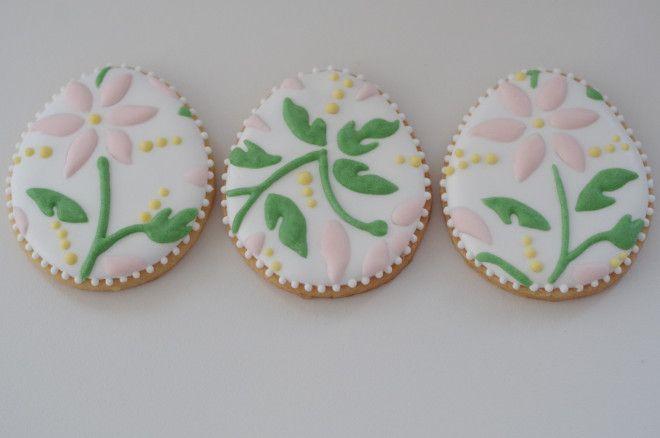 flower easter eggs, by doctorcookies