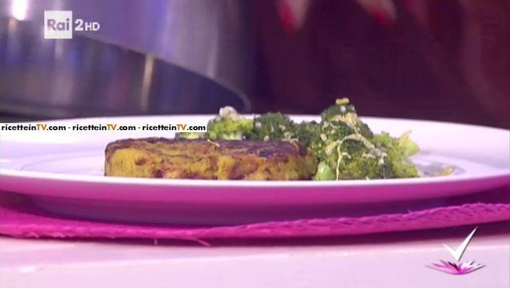 """""""Detto Fatto"""": la ricetta dell'hamburger di borlotti con insalata di broccoli di Paola Galloni del 14 ottobre 2016. Un piatto 'della salute'."""