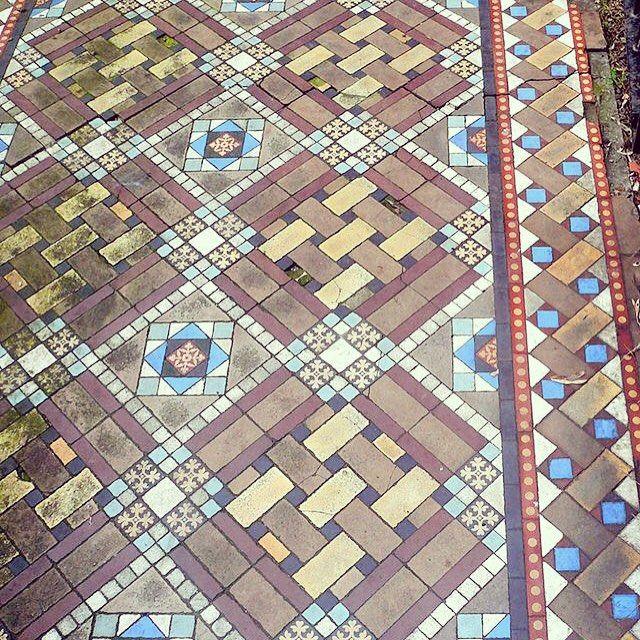 Ornate interwoven tile pattern for garden path. #brockley #london #thisislondon #garden #landscapedesign #outdoors #city #frontgarden #interiordesign #tiles #tiledesign #floortiles #londonvictorian #victoriantiling #instatiles #ihavethisthingwithtiles #ihavethisthingwithfloors @tileometry