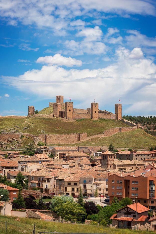 Castillo De Molina De Aragon Guadalajar Premium Photo Freepik Photo Viajes Ciudad Edificio Paisaje Castillos Castillo De Molina Guadalajara