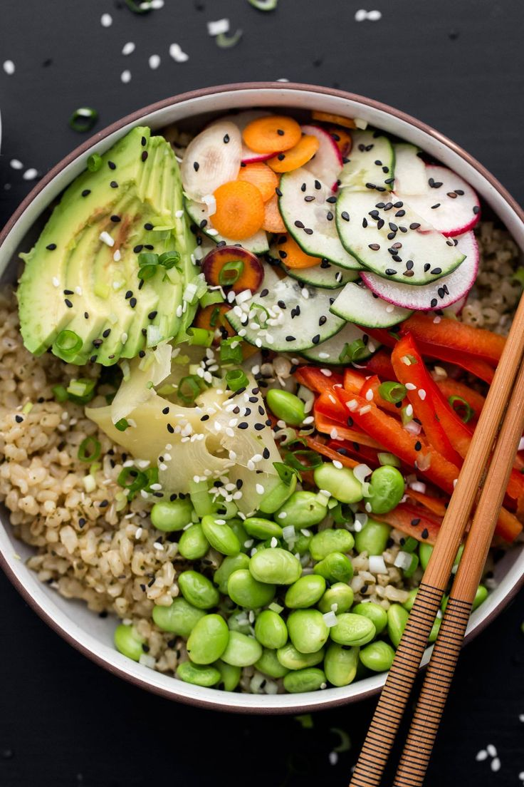 Vegetarian Sushi Bowl with Green Tea Rice and Edamame | @naturallyella