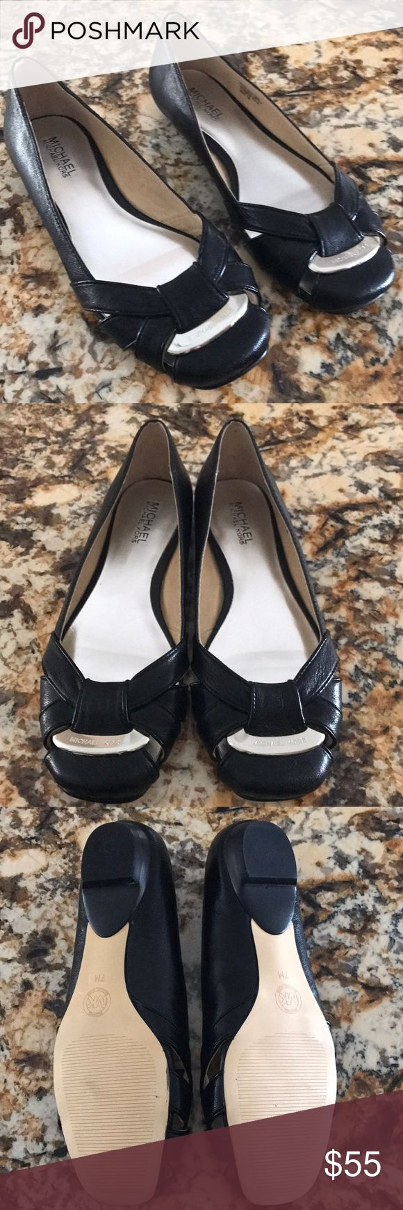 NWOT-Michael Kors Black Leather Flats💕Size 7 💕 Gorgeous Black Leather Michael Kors Flats in Size 7.They are NWOT,never worn.No box 📦.Leather Upper,Rubber Sole.Silver inserts and logo.Very stylish.💕 Reasonable Offers Welcome.Thank you 💕🌸 MICHAEL Michael Kors Shoes Flats & Loafers