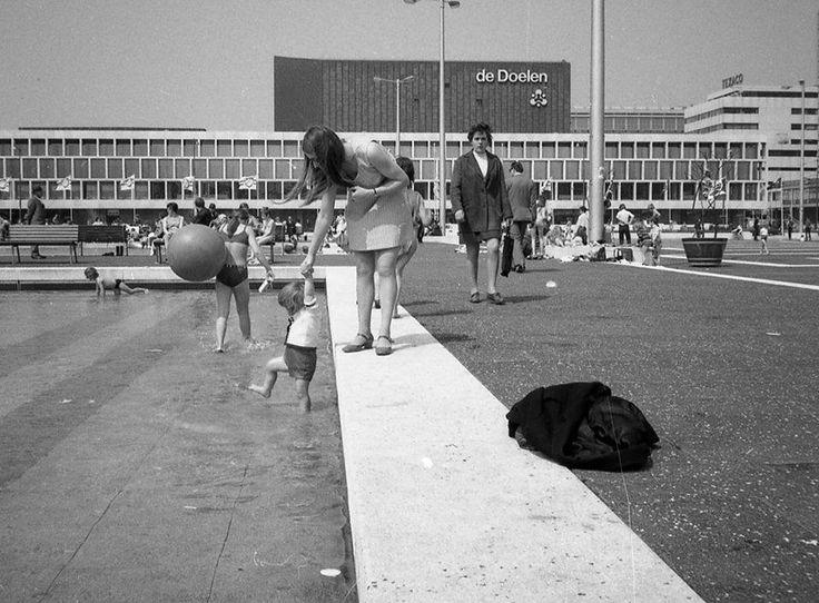 Rotterdam - Schouwburgplein, begin jaren 70