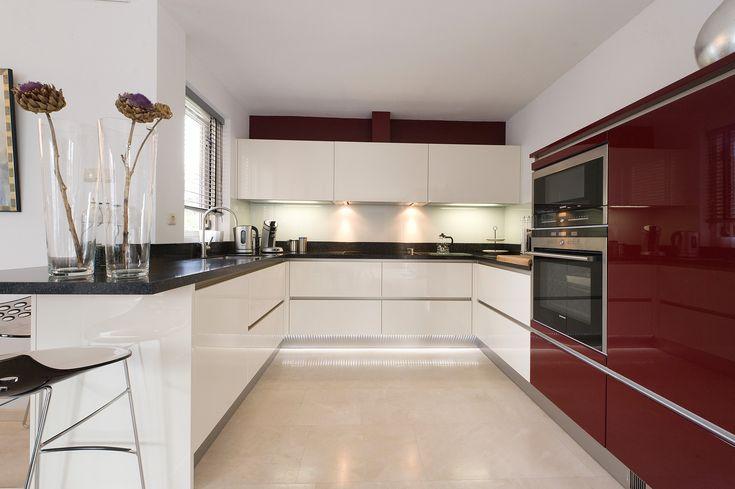 Keuken wit donker blad lichte vloer keuken pinterest - Geloof lichte keuken ...