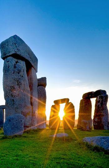 Sunrise, Stonehenge, England (© David Nunuk/Visuals Unlimited/Corbis)