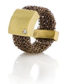 Kitted ring with diamond and 18k gold elements