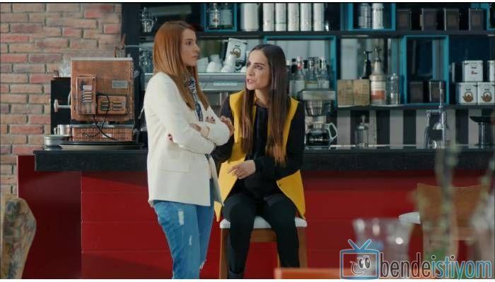 Fox TV de  yayınlanan Kiraz Mevsimi dizisinde Sibel Korkmaz karakterini canlandıran Fatma Toptaş'ın 36.  bölümünde giydiği sarı yelek