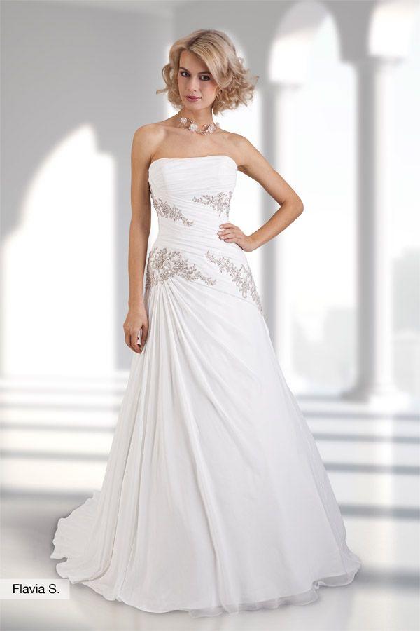 Brautkleid Flavia aus der Lohrengel Lignesse Brautmoden Kollektion 2015 :: bridal dress from the 2015 Lohrengel Lignesse Collection