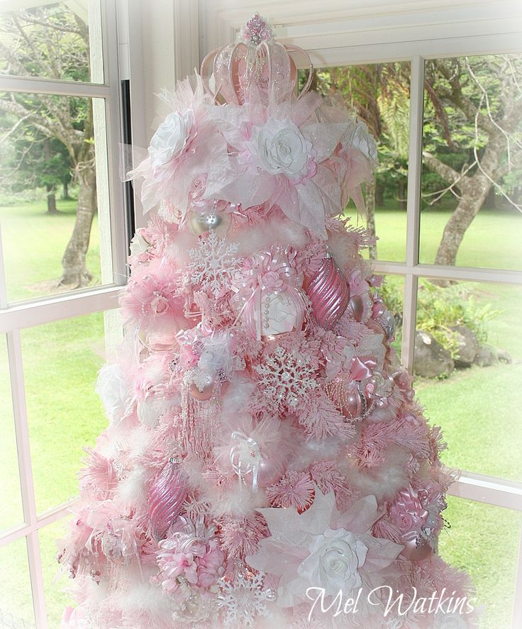 Amazing My Pink Crown Tree Topper On My Pale Pink Christmas Tree Melu0027s Pink  Christmas 2015