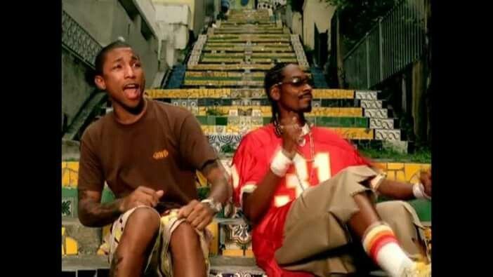 You Tube video Snoop rock' n Priest Holmes jersey
