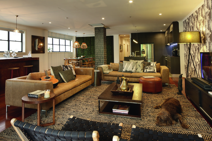 New beginning - a 1930's wool store is transformed into a chic apartment