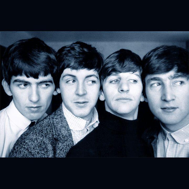 Gli aforismi e le frasi sui Beatles raccontano molto di una band che, ancora oggi, vanta un seguito straordinario, se non addirittura unico e incredibile.