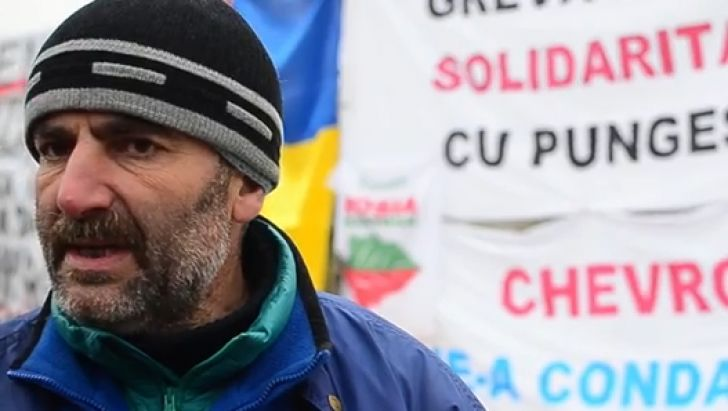 Sandu Popescu, since 17 hungerstrike against corruption among politicians and war like situation in Pungesti, Romania