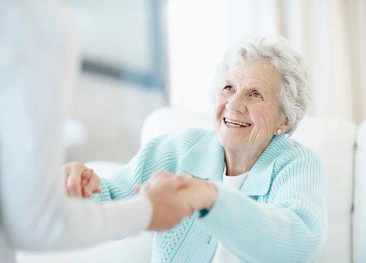 Busco mujer interna responsable para cuidado de persona mayor que requiere ayuda y tareas domésticas básicas.   http://bit.ly/202tF7L