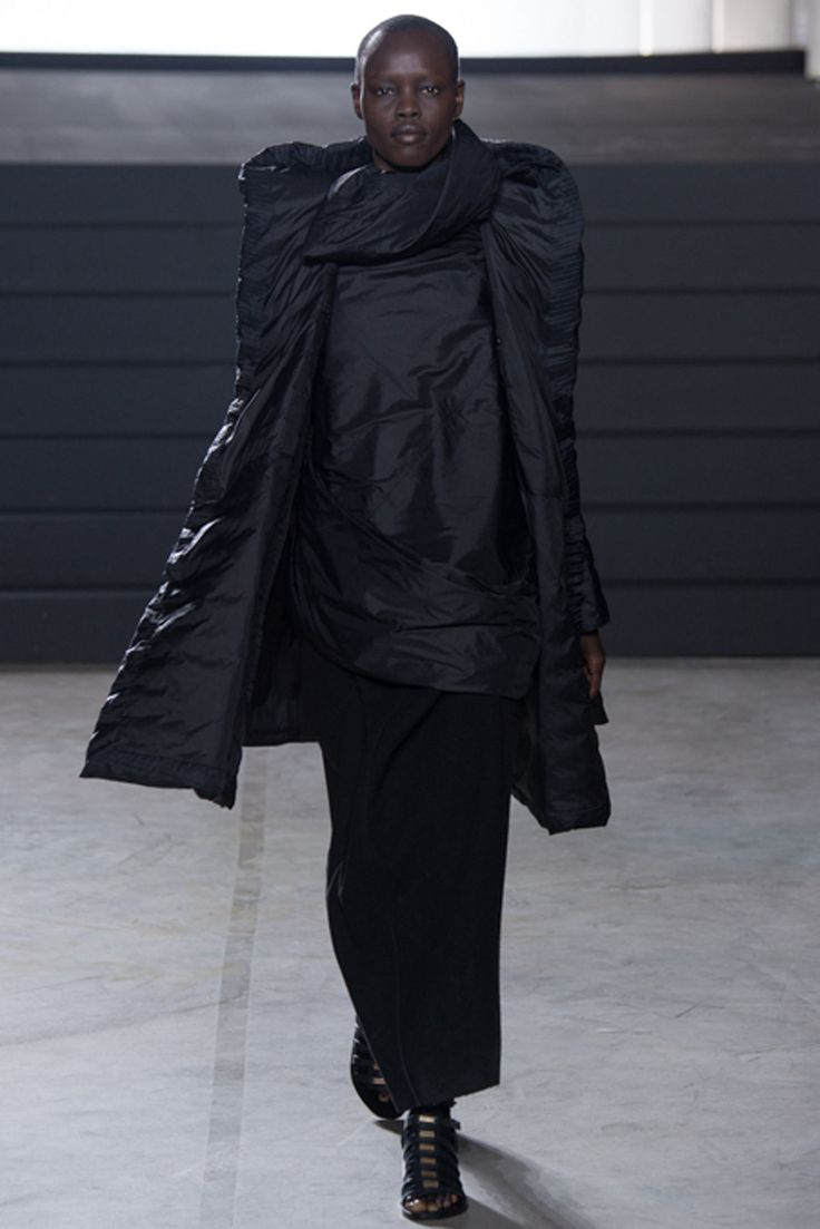 Rick Owens - Fall 2015 Ready-to-Wear - Look 15 of 40
