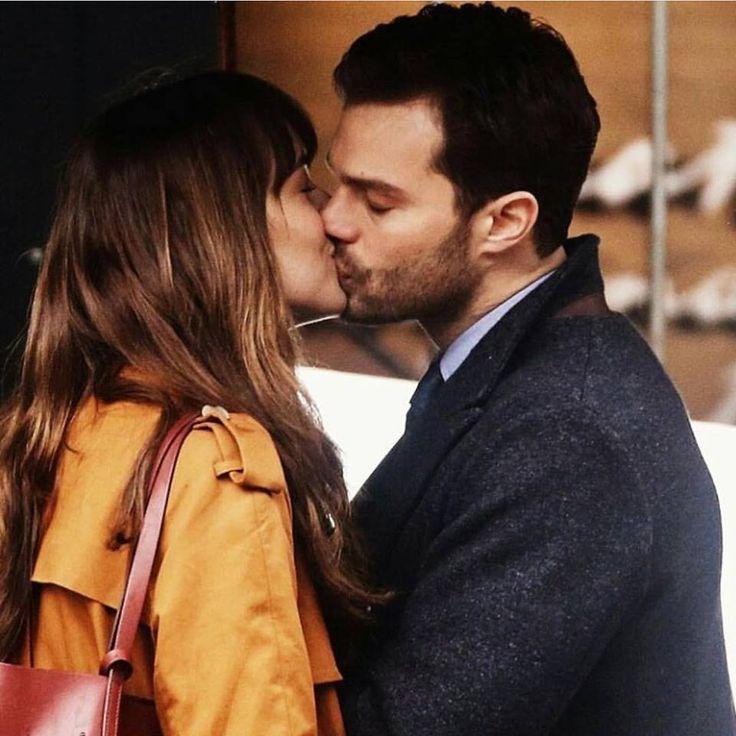 """Vaza primeira imagem de Anastasia e Christian Grey em """"Cinquenta Tons Mais Escuros"""""""