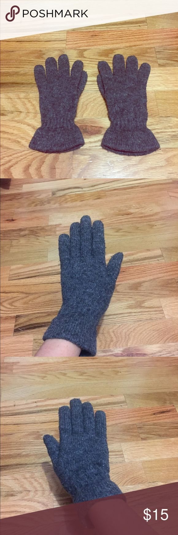 Urban Outfitters Gloves These gently used grey gloves from Urban Outfitters are perfect for these cold months now and ahead! These are 50% wool and 50% nylon! They are very warm and comfortable, and they are in really good condition!! Urban Outfitters Accessories Gloves & Mittens