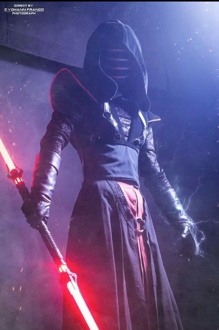 Excellent Darth Vindican cosplay. I do not take credit for this photo    Star wars characters pictures, Star wars artwork, Star wars poster
