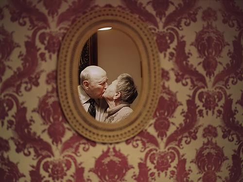 Brilho de Lis: Fotógrafa americana registra amor de idosos apaixonados