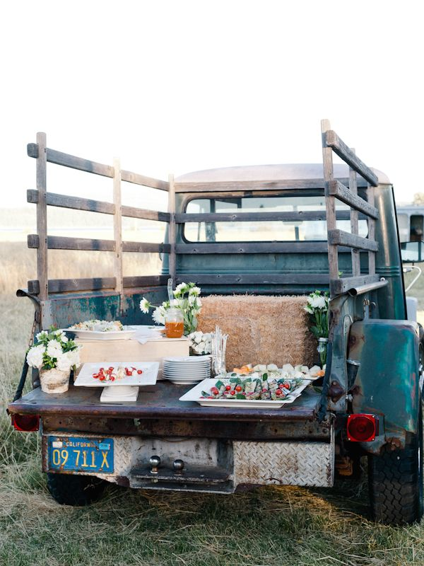 refreshment bar on the back of a vintage truck #wedding #reception #refreshments http://food-trucks-for-sale.com/