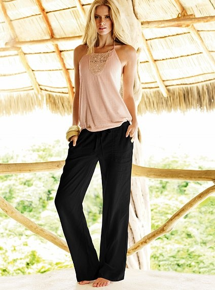 Black linen pants, nude/blush top...? Not a tank - can't wear to work. Need at least some sleeve.