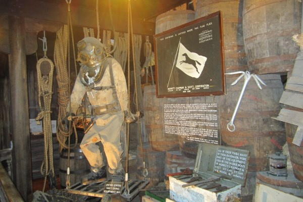 Underwater salvage dive suit, Shipwreck Museum, Key West ...