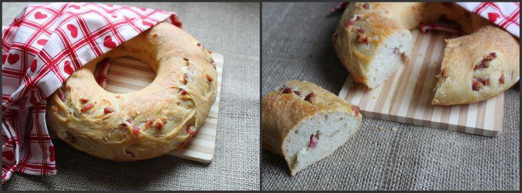Ciambella di pane con pancetta (tortano)