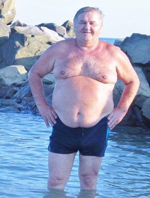 mature-men-nude-photos-girlfriend-sleeping-in-the-nude