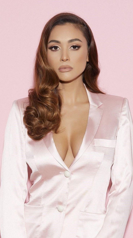 Celebrity Hot Pink Suit Lindsey Morgan 750x1334