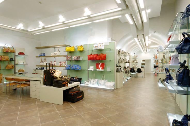 www.carlolongone.it #showroom #acquisti #rappresentanze #brics #thebridge #timberland #CalvinKlein #HilfigerDenim