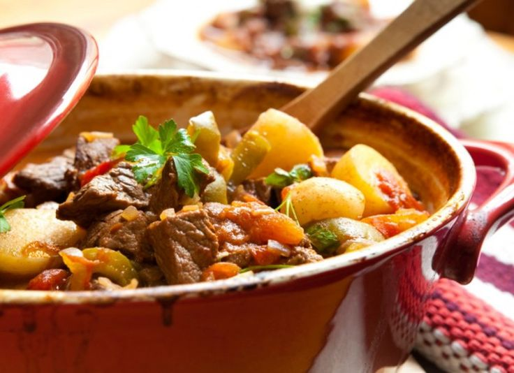 A lot of people do not realize just how versatile a slow cooker can be when you are preparing meals. A lot of low-fat and low-carb meals can be prepared with minimal effort by just putting a few ingredients into your slow cooker before you head off to work. This article will give you some ideas as to what kinds of fantastic food items you can cook in a slow cooker!