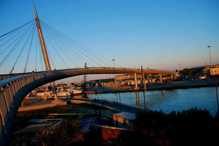 Ponte del mare al tramonto