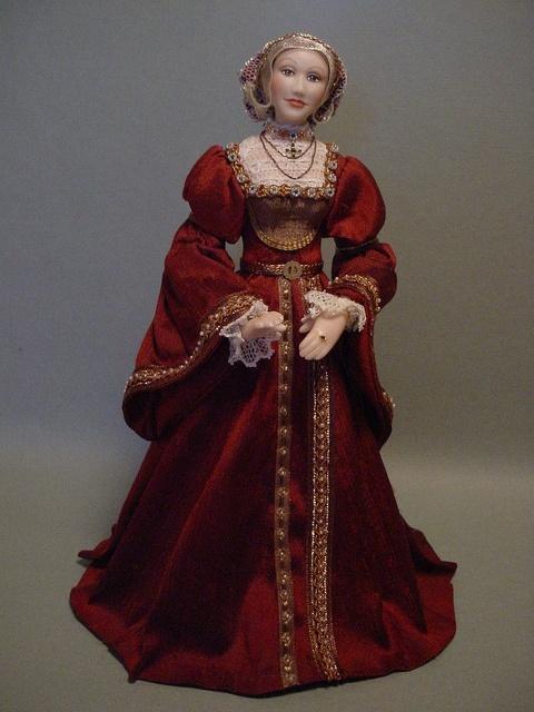 Visit Miniaturist Debbie Dixon-Paver of Debbie Cooper Dolls' CDHM Gallery