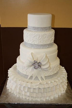 white wedding cake frosting 41 best images about wedded bliss on 27349