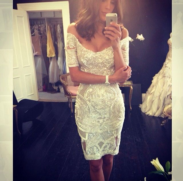 I love this off the shoulder Jaton Couture dress on Bec Judd for MyerAW14 <3