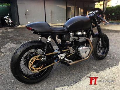 ปิ no.3  Triumph Thruxton 900