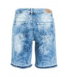 Schön verwaschene Jeans-Shorts mit ausgefranstem Saum. Boho und Beach!