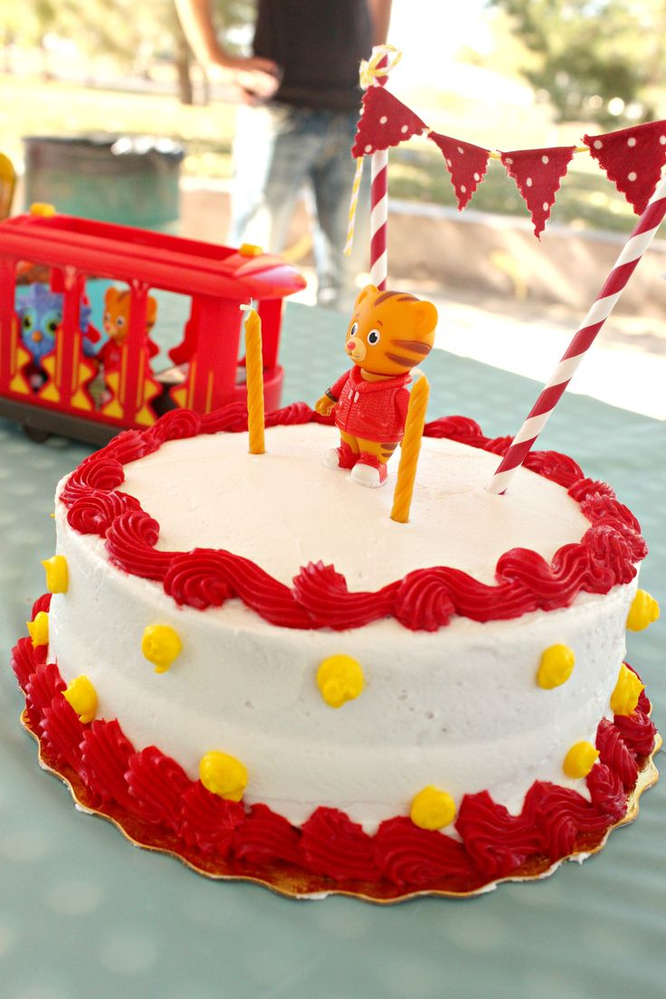 Our Daniel Tiger Birthday Party! My favorite part - the cake!!