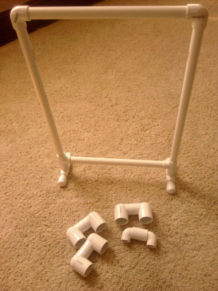 PVC Pipe flip chart stand- You can really save some money by building these things by yourself! Would be good for the smaller pocket charts.