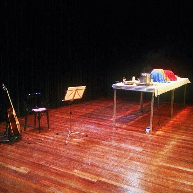 Het toneel van de Kleine Zaal is klaar voor 'Live and let die' Angelique Schmeinck #decorvandedag #thrillerfestival #24kitchen (bij Stadstheater)  // Fotograaf/photographer Eelco Coers //