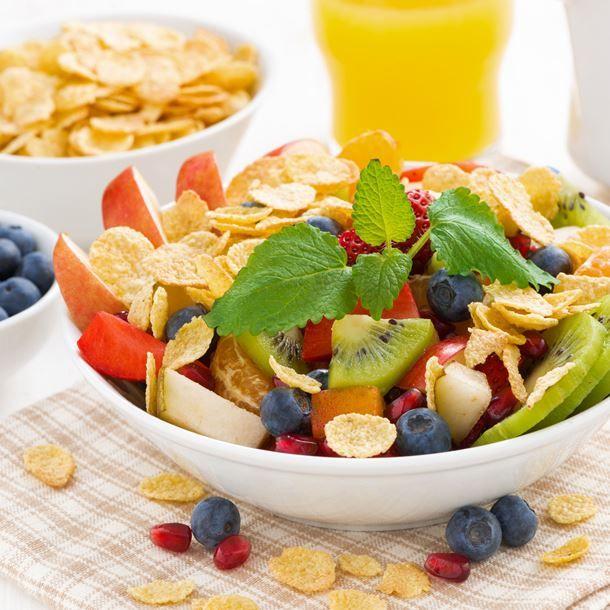 salade de fruits aux corn flakes recette healthy breakfast pinterest salade de fruits. Black Bedroom Furniture Sets. Home Design Ideas