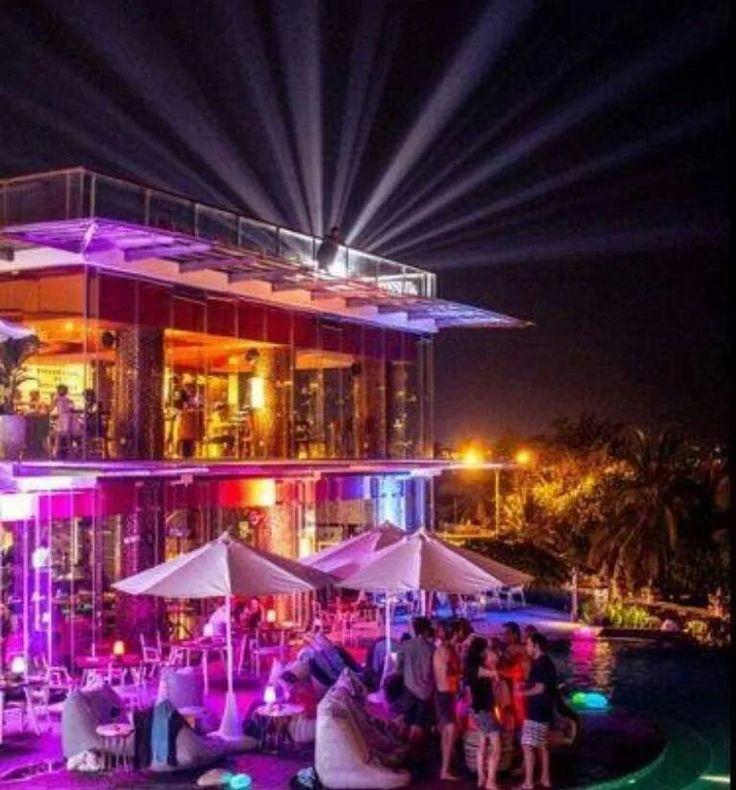 Townhouse, restaurant & bar Seminyak Bali