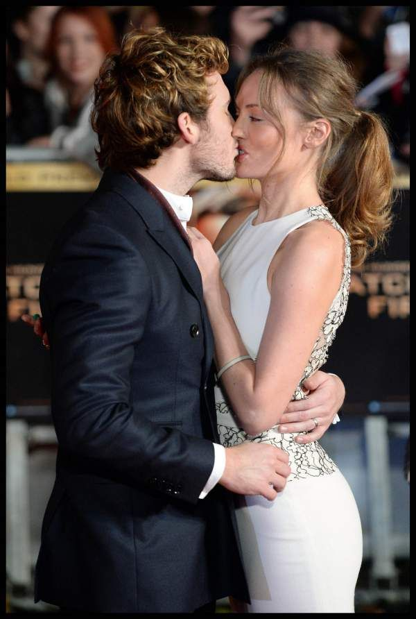Sam Claflin is so in love with his wife in these Catching Fire red carpet photos that I'm scared his heart will explode!