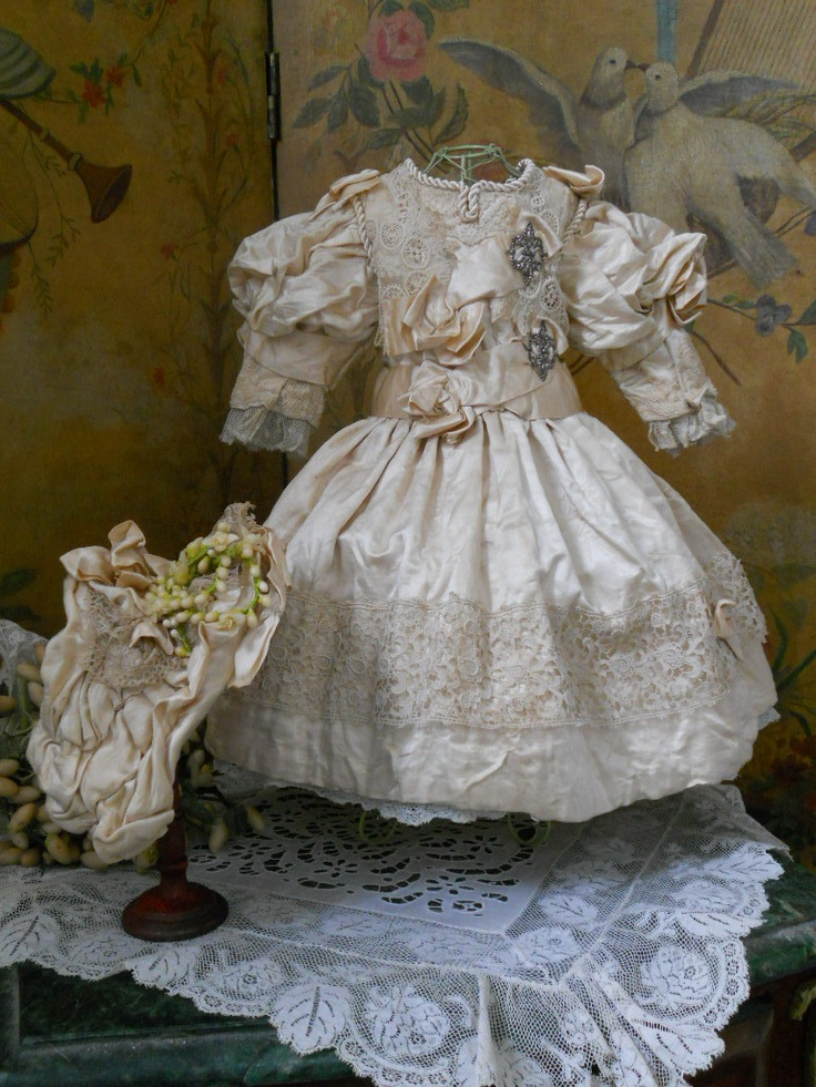 ~~~ Most Beautiful Antique French Silk Sateen Gown with Bonnet ~~~