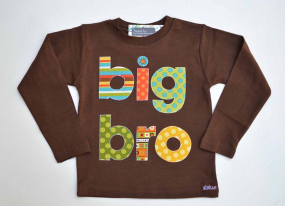 Big brother shirt, perfect to announce your pregnancy! Size 2, in stock!