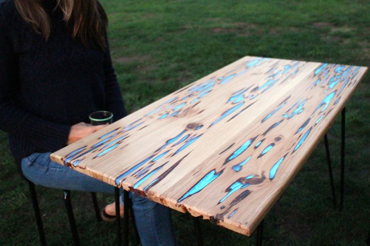 Maker Mike Warren has created a beautiful wooden table with glow in the dark inlays that illuminate after being exposed to light. For his table, Warren used a sheet of pecky cypress, a special cypr...