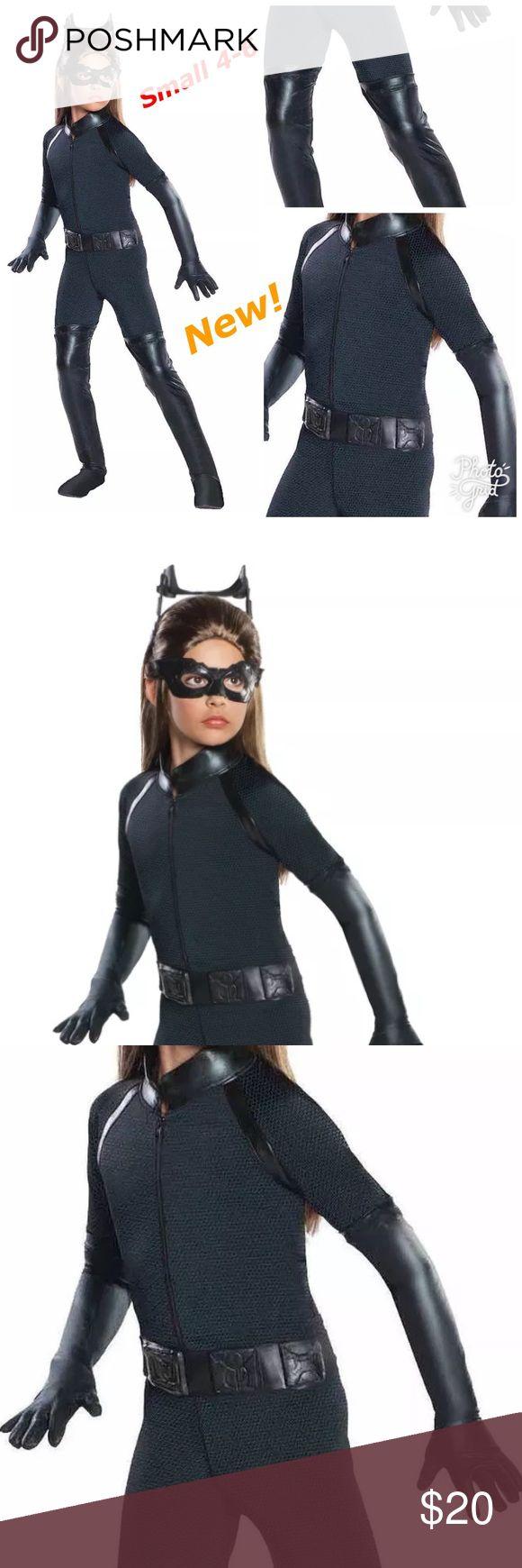Catwoman Cat Woman Girls Halloween Costume New Includes: -Jumpsuit  -Belt -Eye Mask -Headpiece    Gloves NOT included!  New without tag! Costumes Halloween