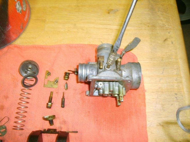 Cleaning a carburetor in 8 easy steps cleaning lawn